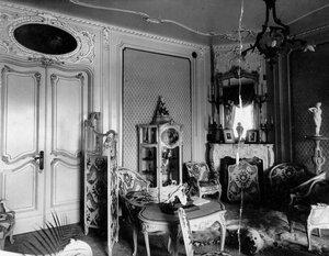 Уголок гостиной в особняке М.К. Покотиловой.