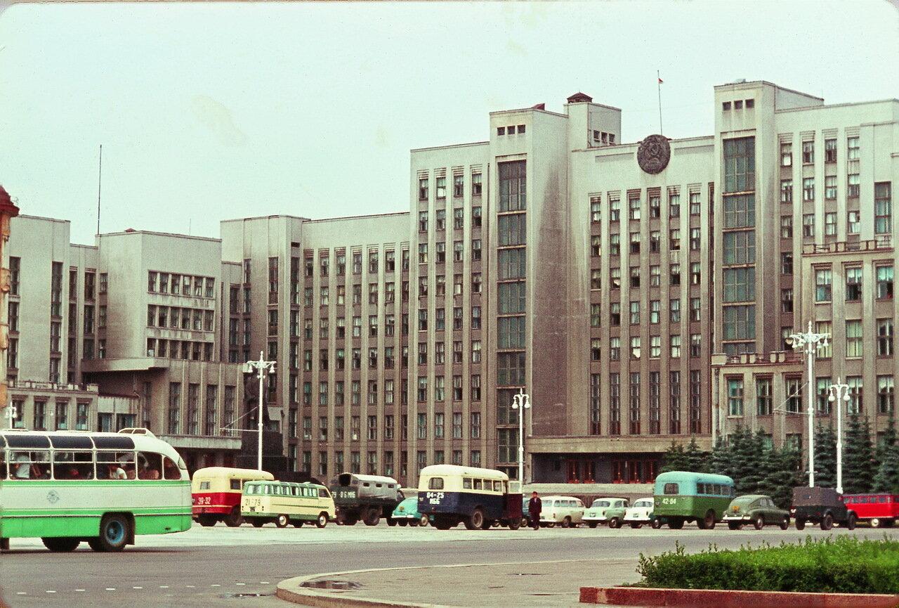 Минск. Дворец правительства