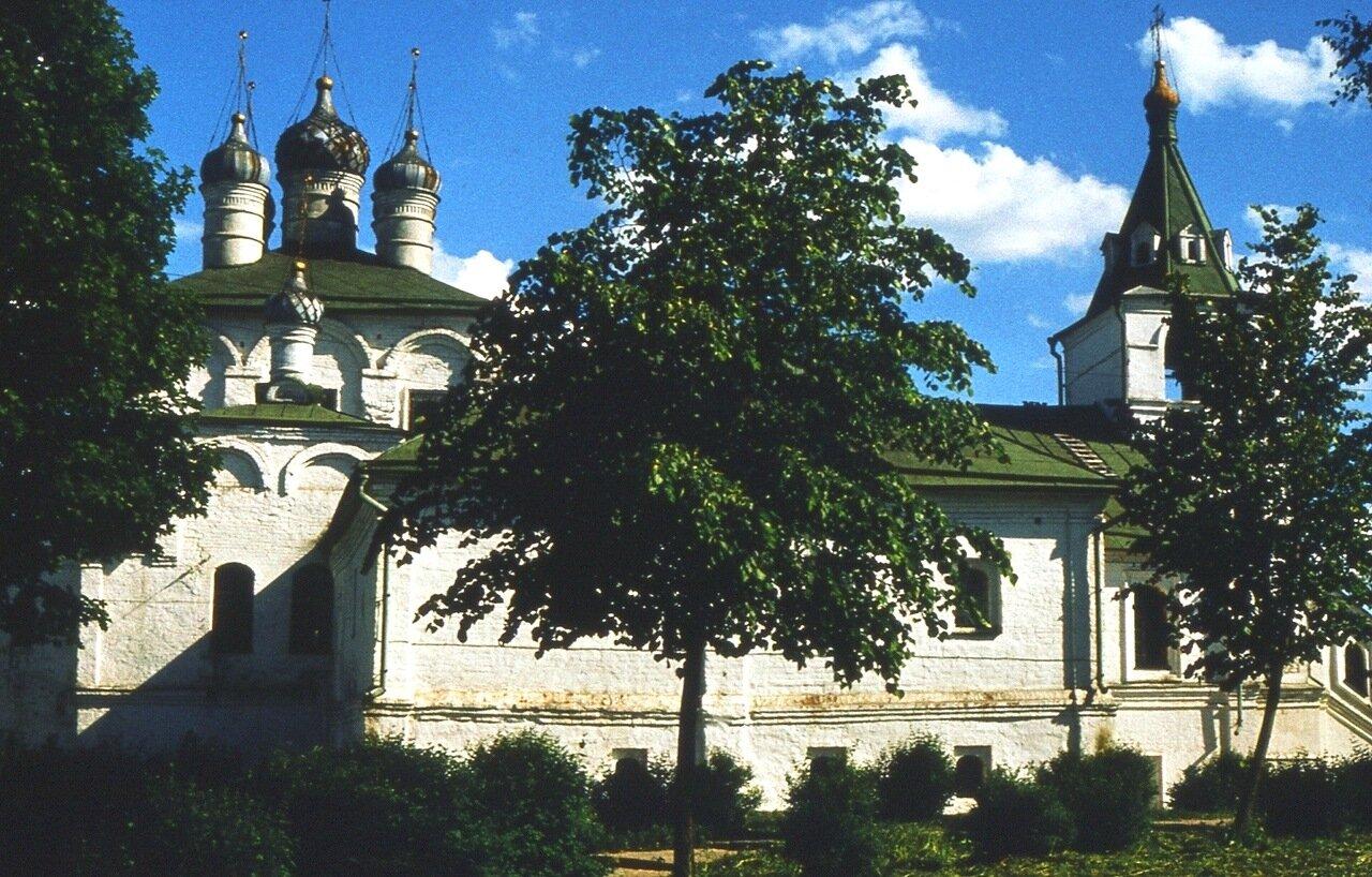 7. Западный фасад Успенской церкви