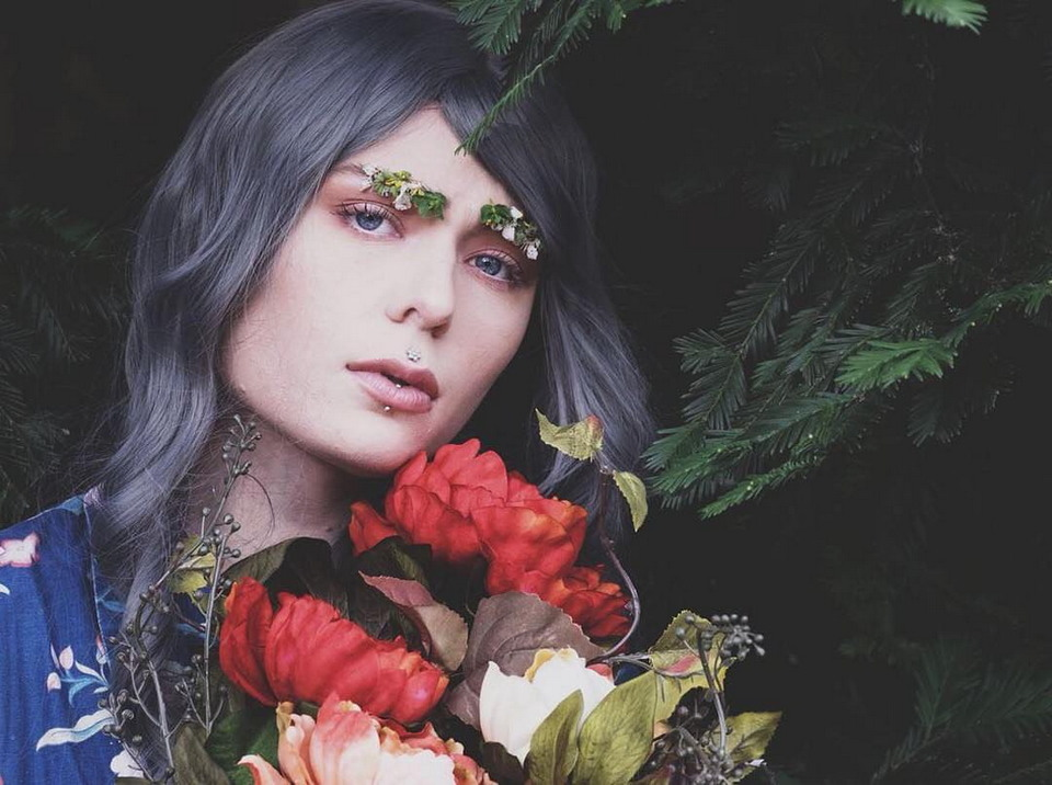Новый весенний модный трэнд: брови-сад