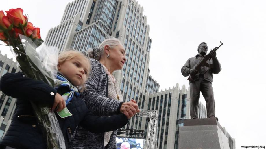 Россия: умер сын конструктора оружия Калашникова