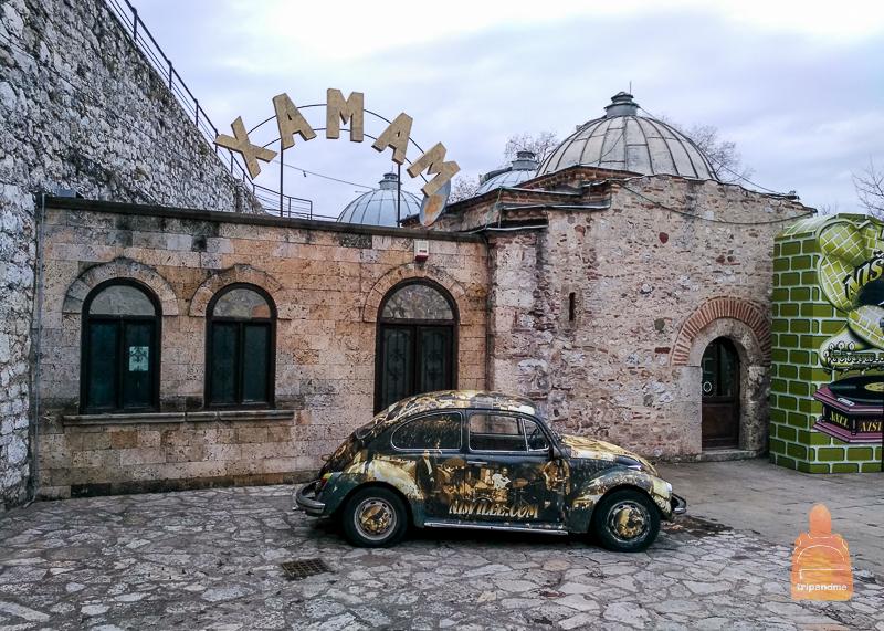 Хамам - баня, построенная турками, находится на территории крепости в Нише