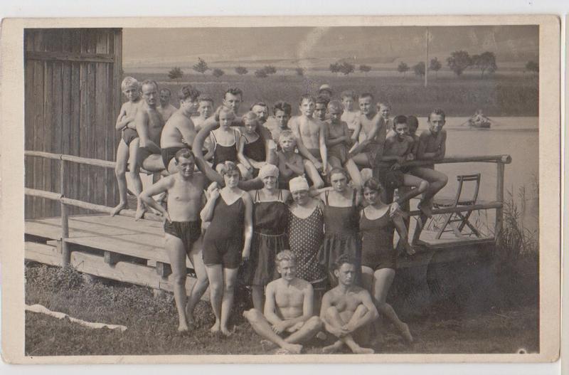 Купальники в СССР и на Западе — сравните сами