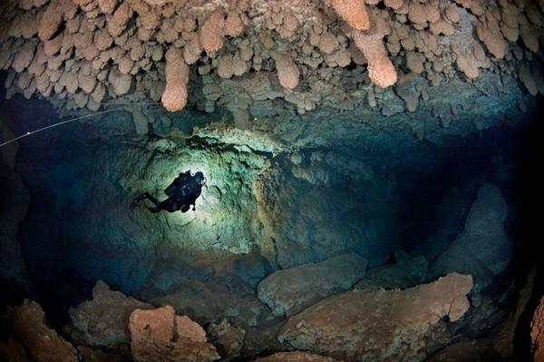страшные места дайверы пещера пещеры воздушные подводный страшно под водой