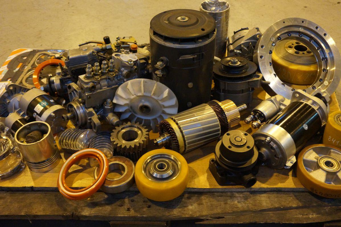 двигатели двигатель техника работа запчасти ведущие следы погрузчик