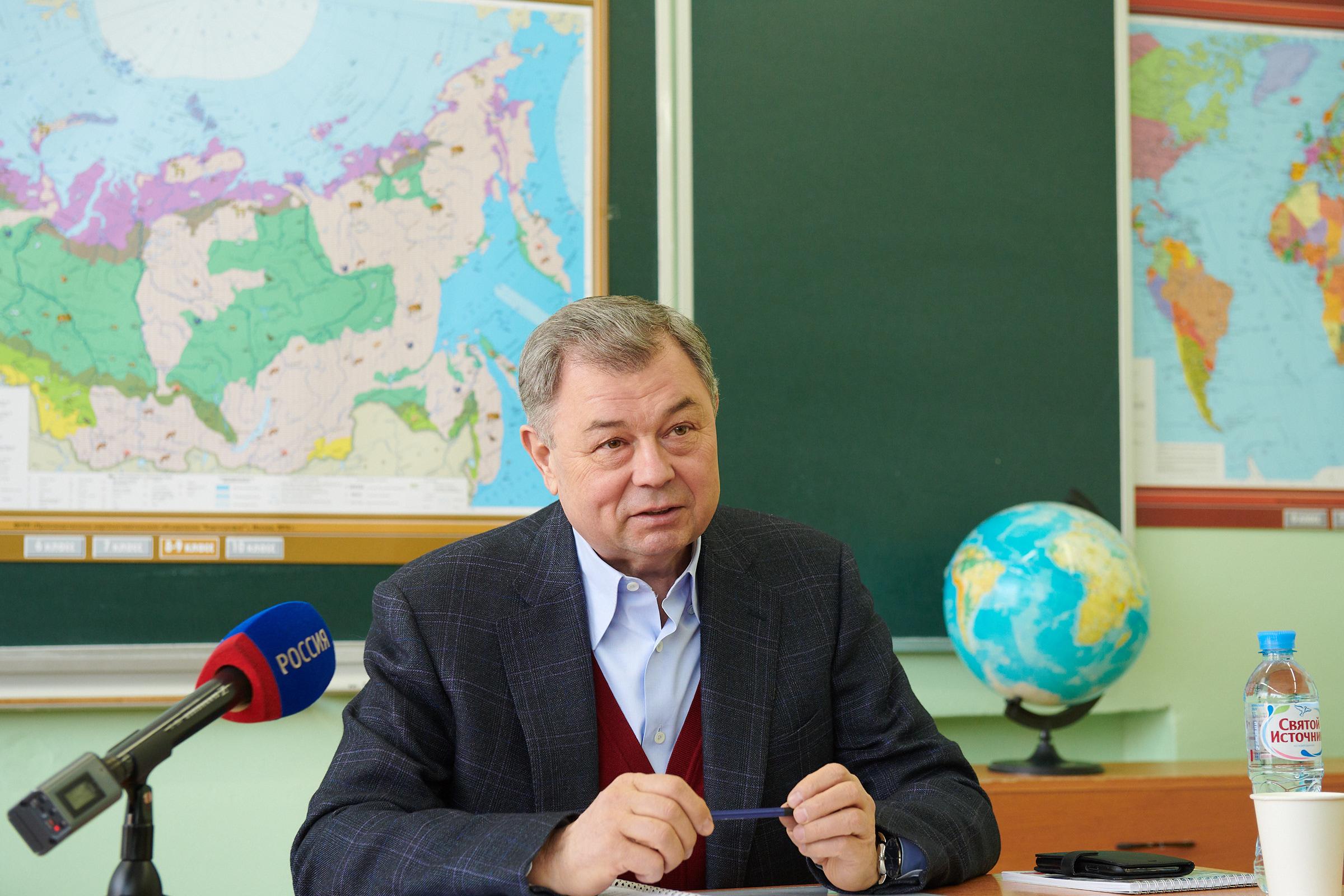 Анатолий Артамонов встретился с депутатами Районного Собрания Боровского района