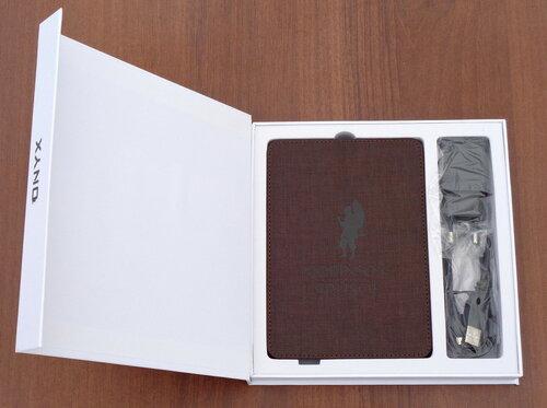 Упаковка Onyx Boox Robinson Crusoe 2 в открытом виде