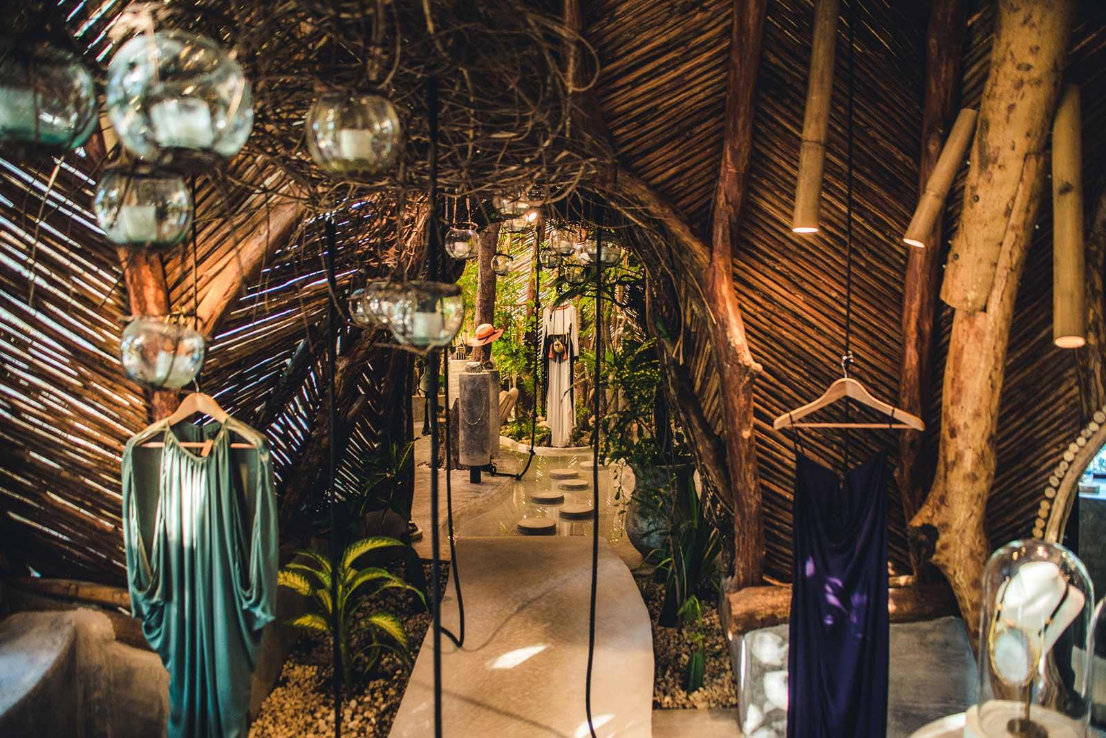 Organic Architecture of the ZAK IK Boutique in Tulum (6 pics)