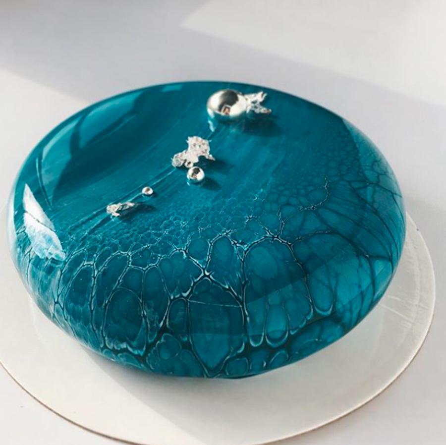 Stunning Mirror Cakes