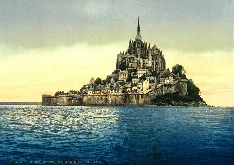 вид на восточную сторону Мон-Сен-Мишеля во время прилива, конец XIX века