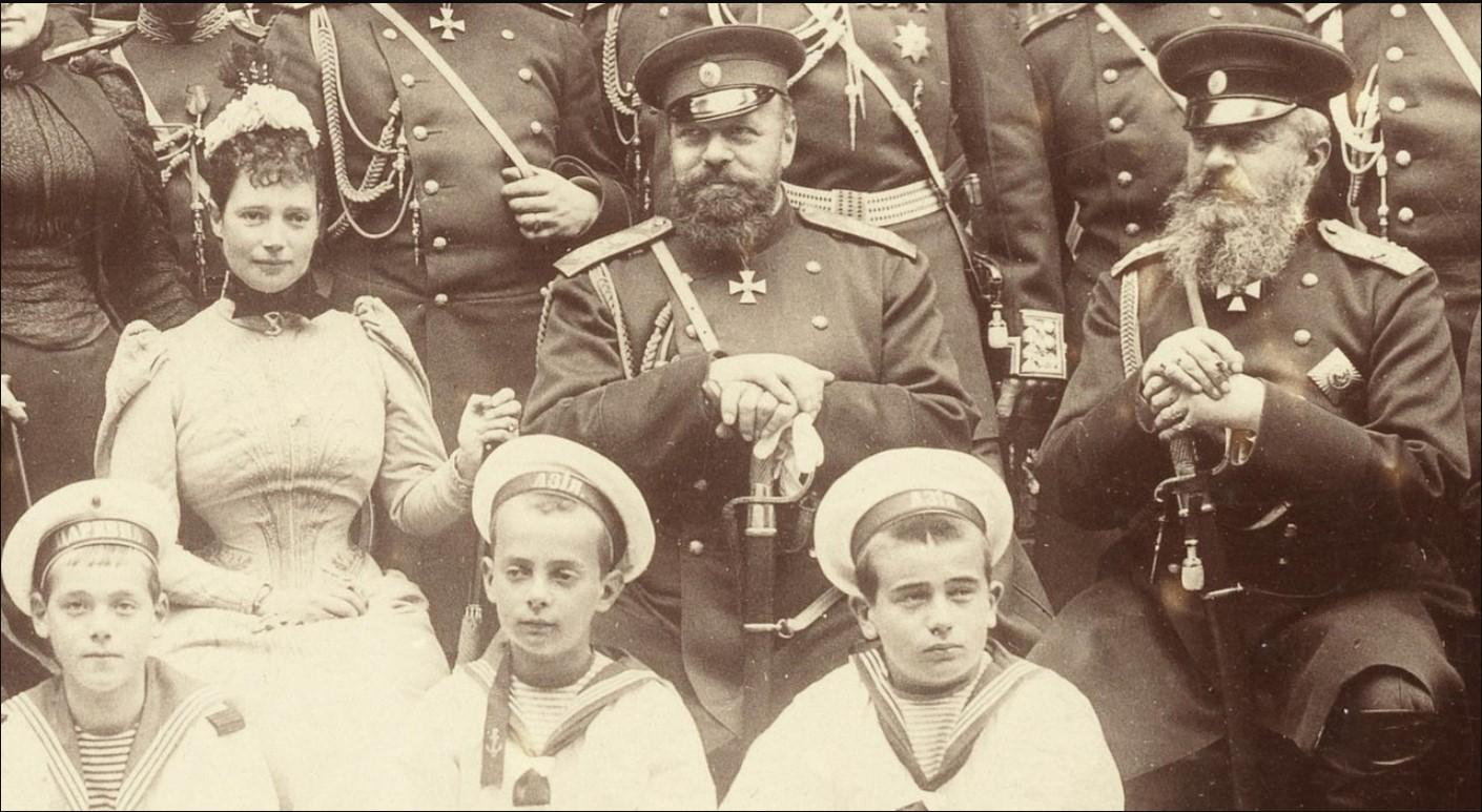 1880-е. Первый ряд снизу (слева на право) Великий Князь Михаил Александрович, Великий Князь Андрей Владимирович, Великий Князь Борис Владимирович