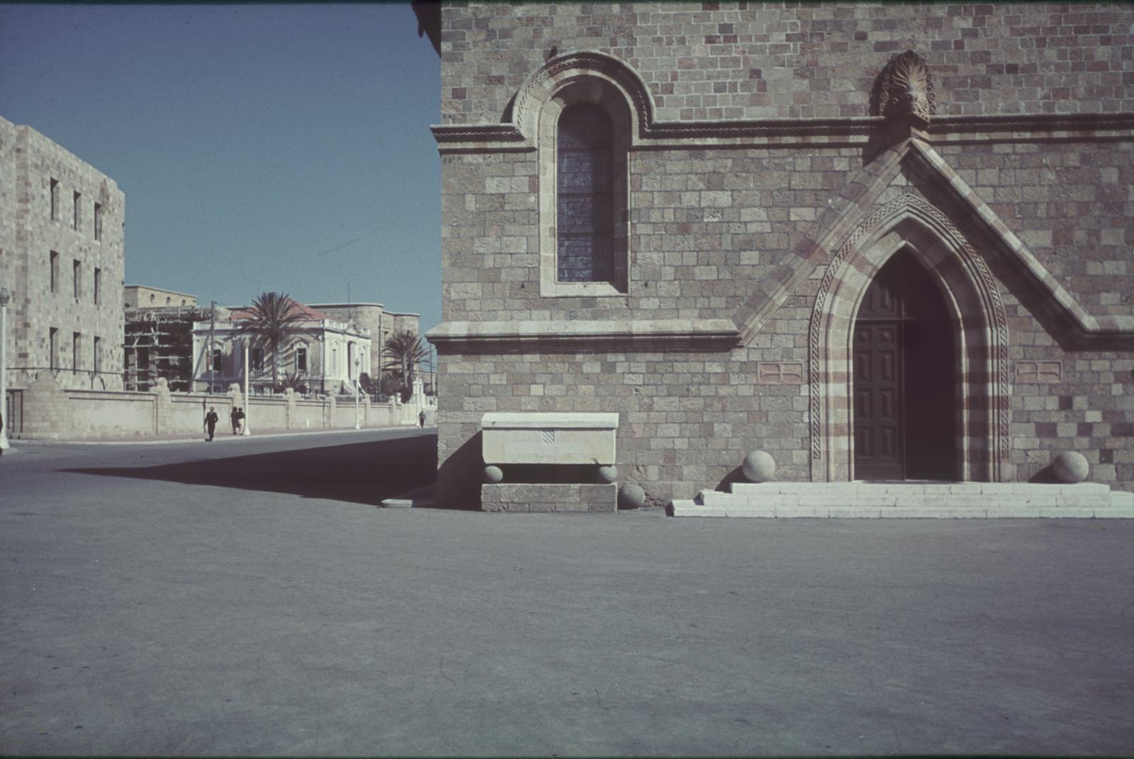 Родос. Порт Мандраки. Церковь Евангелизма