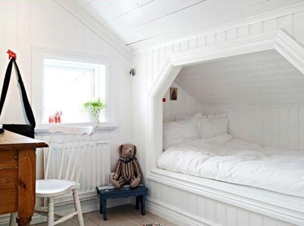 Как сделать кровать на чердаке