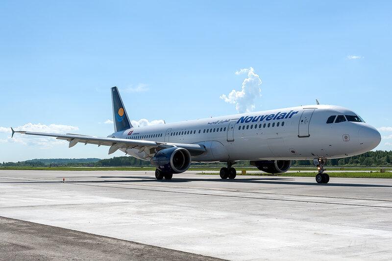 Airbus A321-211 (TS-IQA) Nouvelair Tunisie D706617