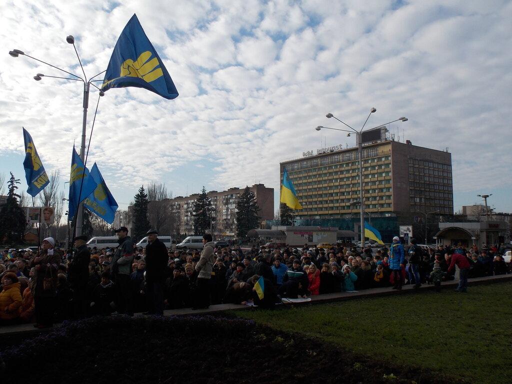 Запорожский Евромайдан: «Банду геть!», «Ода чму» и галочка против Януковича (ФОТОРЕПОРТАЖ), фото-9