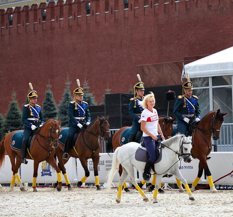 Театрализованное представление Кремлевской школы верховой езды на Красной площади