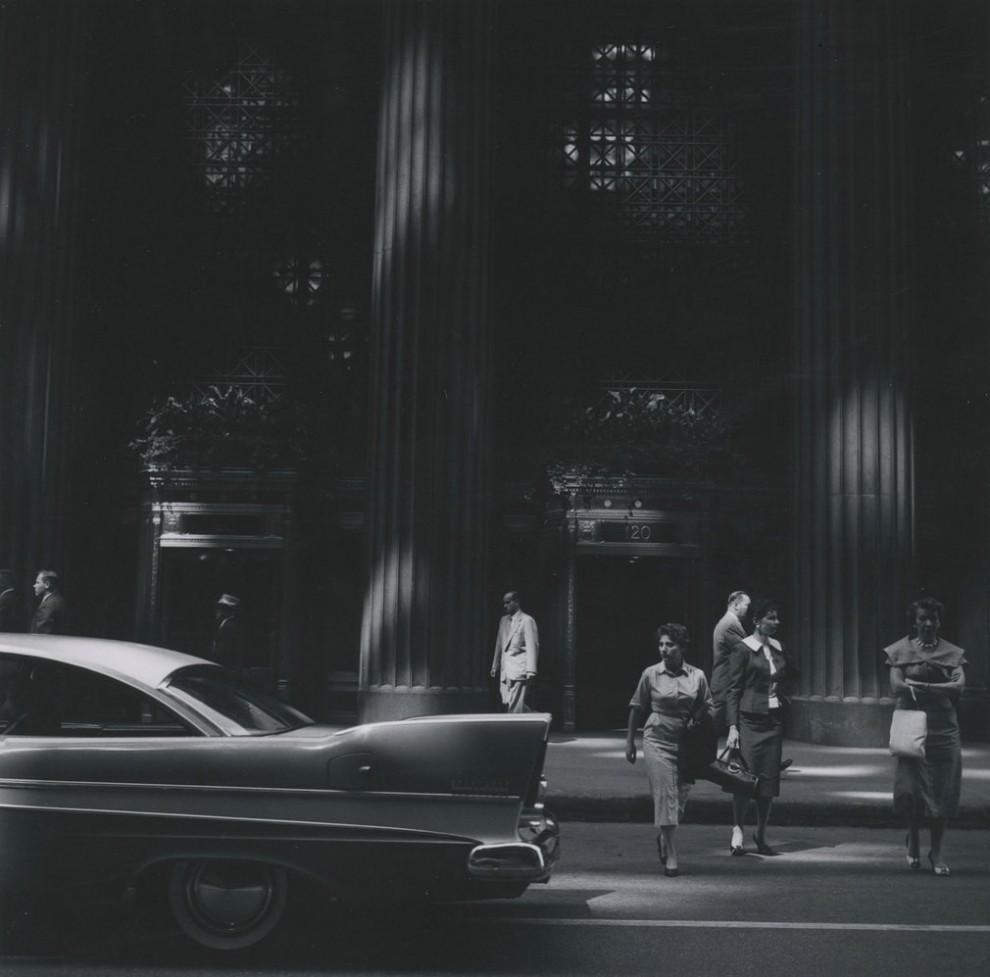 Европа, 1961 год. Экспериментируя в жанре городского пейзажа, фотограф играл со светом и тенью,