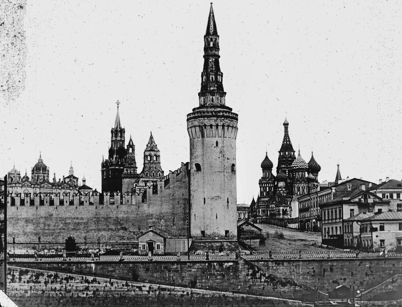 Беклемишевская (Москворецкая) башня Кремля.