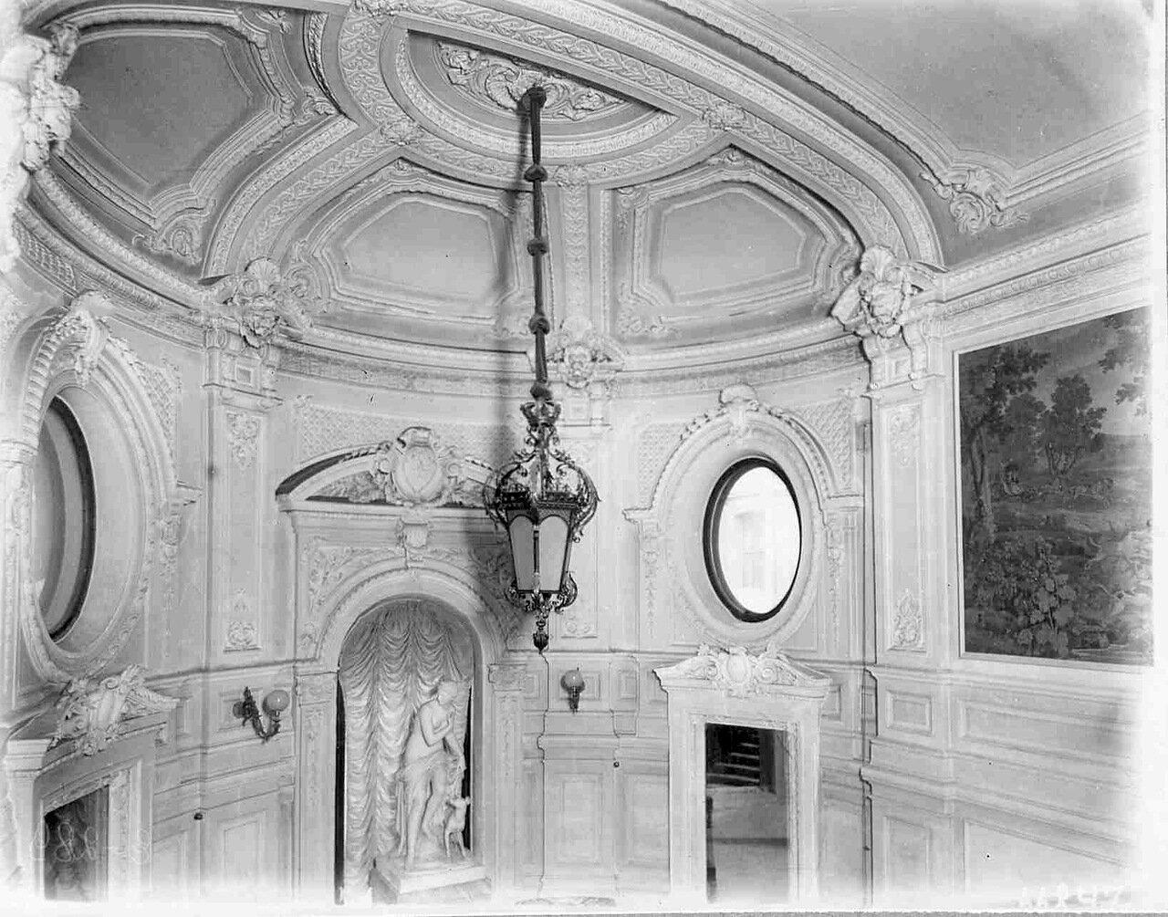 09. Потолок парадной лестницы с Английской набережной