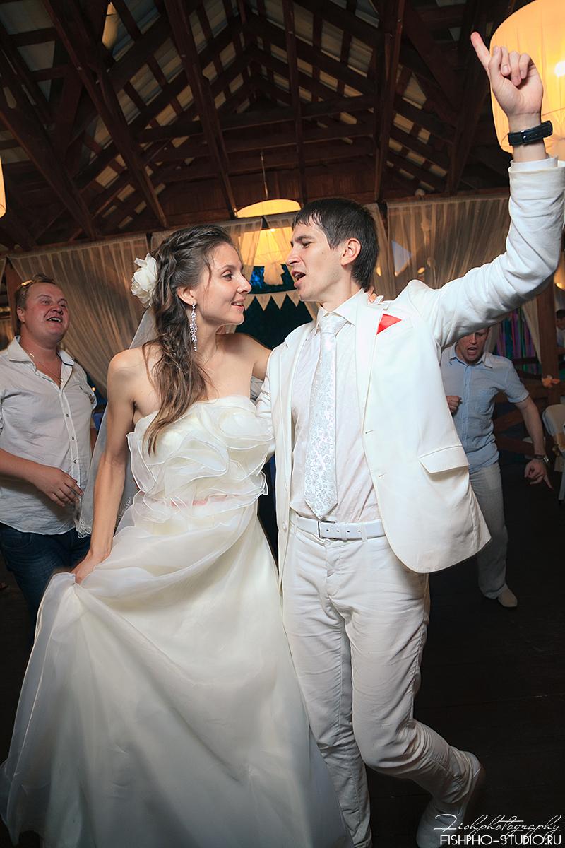 Невеста сделала это прямо на свадьбе рассказ фото 491-288