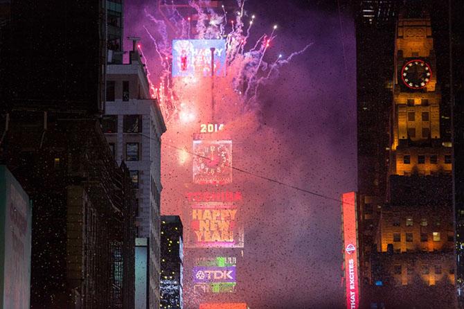 Лучшие новогодние фейерверки со всего мира