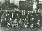 Группа монархистов - депутатов Второй Государственной думы во Дворцовом зале (в центре стоит В.В.Шульгин).
