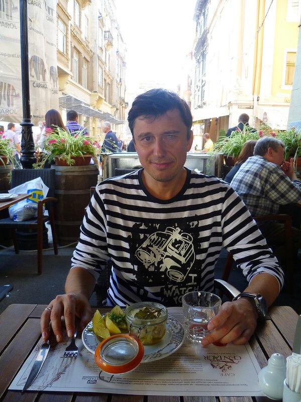 Украина, Львов - горилка с картошкой и селедкой (Ukraine, Lviv - gorilka with potatoes and herring).
