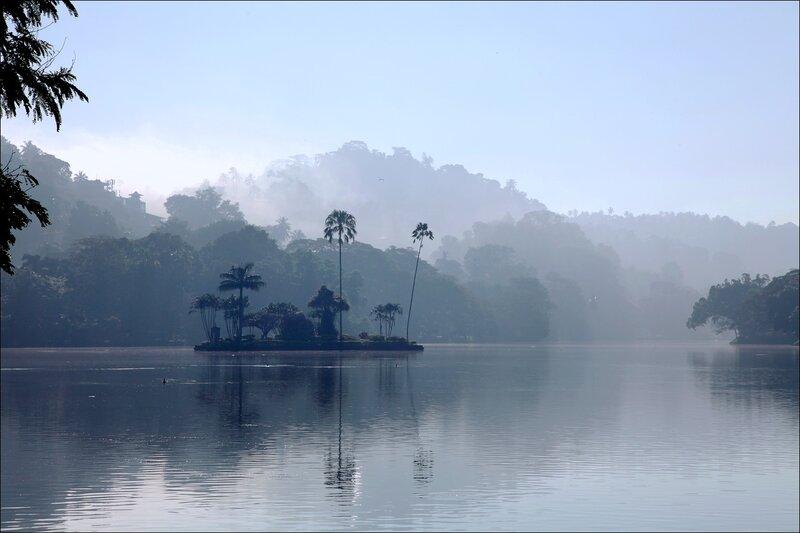 Туман в Канди