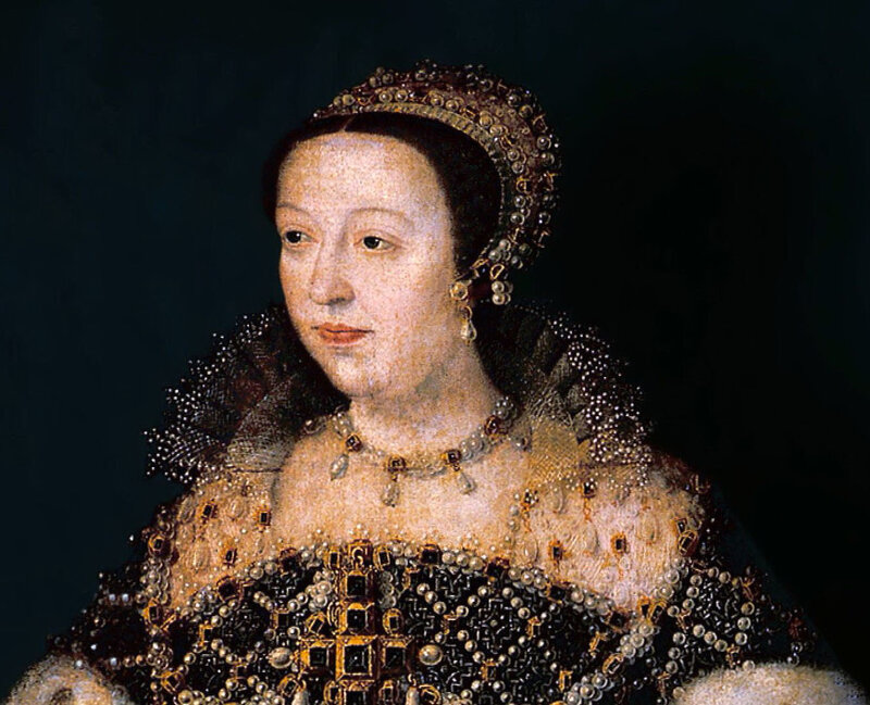catherine de medici essay King charles ix of france, under the sway of his mother, catherine de medici, orders the assassination of huguenot protestant leaders in paris, setting off an orgy of killing that results in the massacre of tens of thousands of huguenots all across france two days earlier, catherine had ordered the.