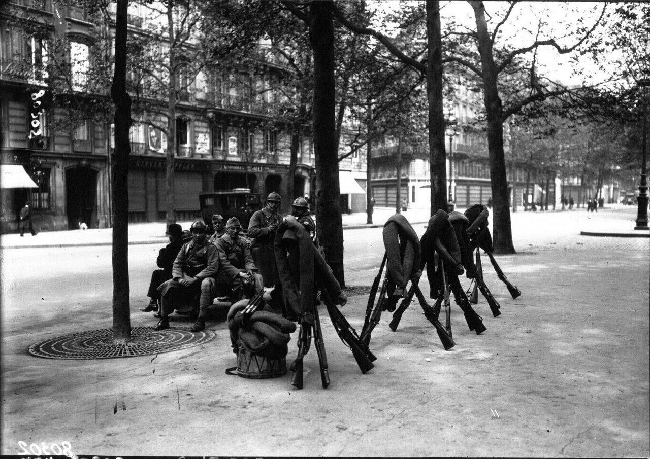Пехотинцы на бульваре Мальзерб