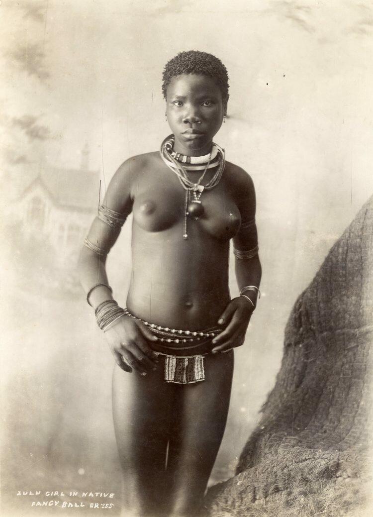 Зулусская девушка в традиционном поясе.1895