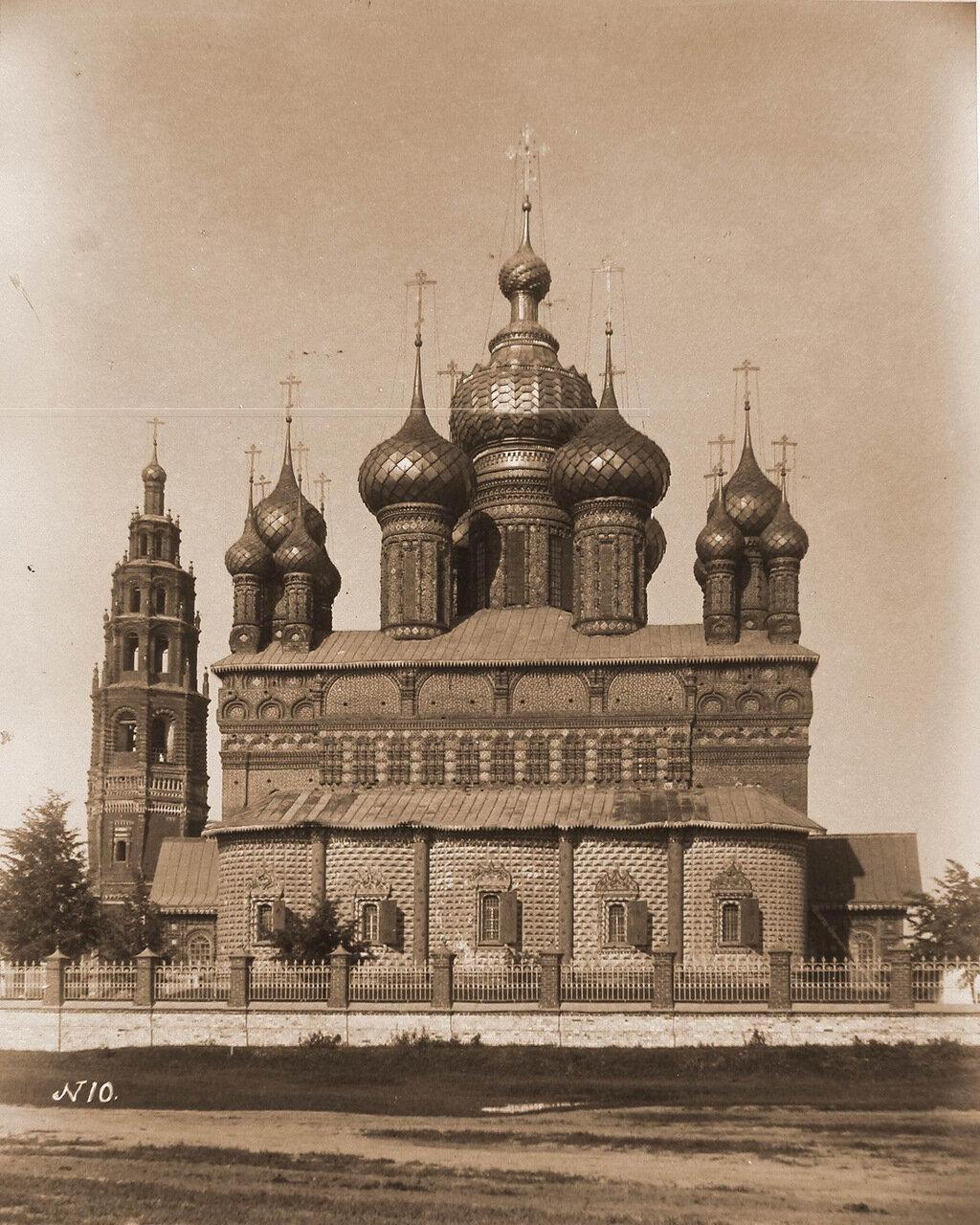 Вид восточного фасада церкви Иоанна Предтечи и колокольни в Толчкове