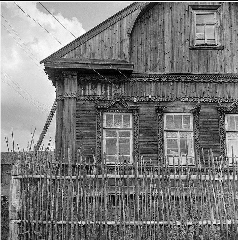 Окрестности Галича.  Сынково. Фасад дома