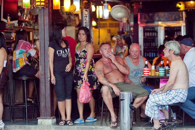 PattayaBeerBarWesterners.jpg