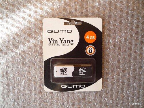 Qumo Инь-Ян (лицевая сторона упаковки)