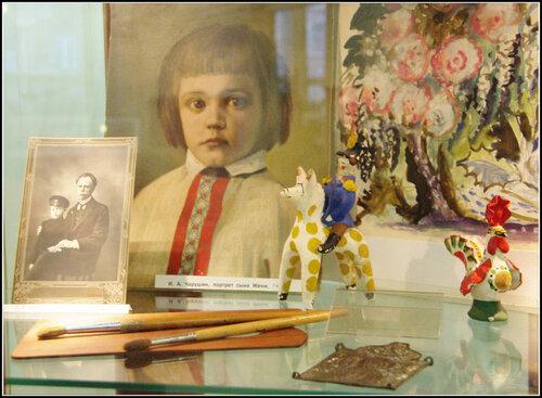 Выставка. Чарушины. Евгений и Евгения, прадед и правнучка. Детская библиотека истории и культуры Петербурга.