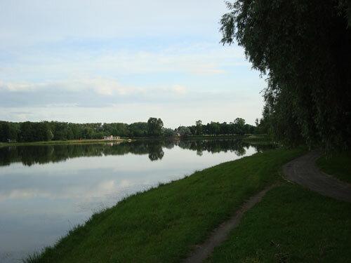 Отдых в Беларуссии: Несвиж, вид на Замковый пруд