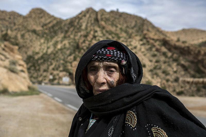 Пожилые татуированные жительницы Алжира