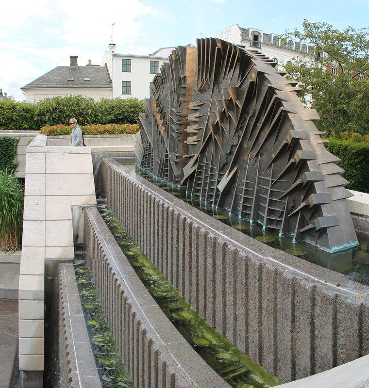 Копенгаген. Сад Амалии, Амальехеун (Amaliehaven)