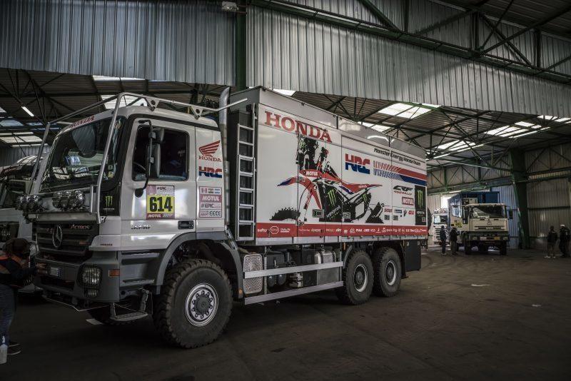 Неизвестные украли гоночный мотоцикл Monster Energy Honda CRF 450 Rally