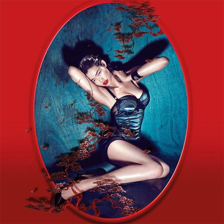 Рекламная кампания одежды Guess / Sandrah Hellberg & Liu Dan by Chen Man