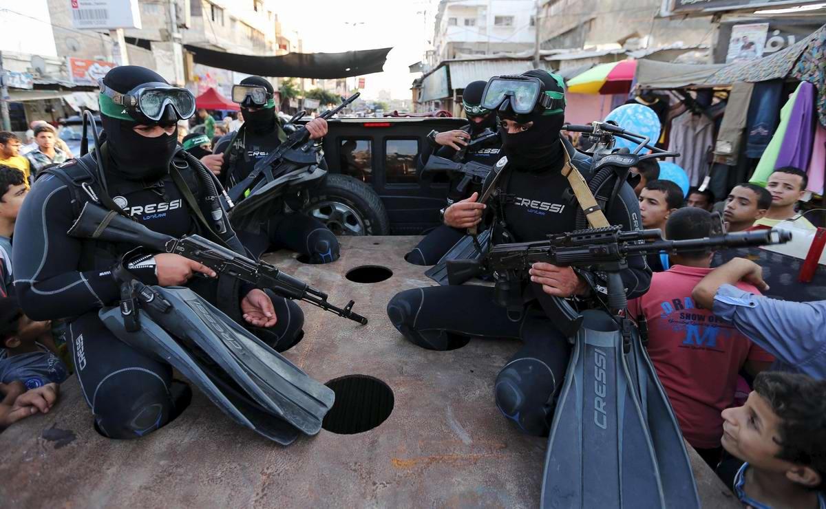 Боевые пловцы палестинского движения ХАМАС
