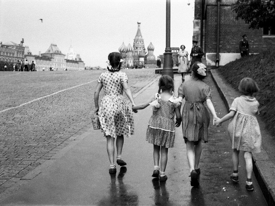1950-е. В выходной на Красную площадь