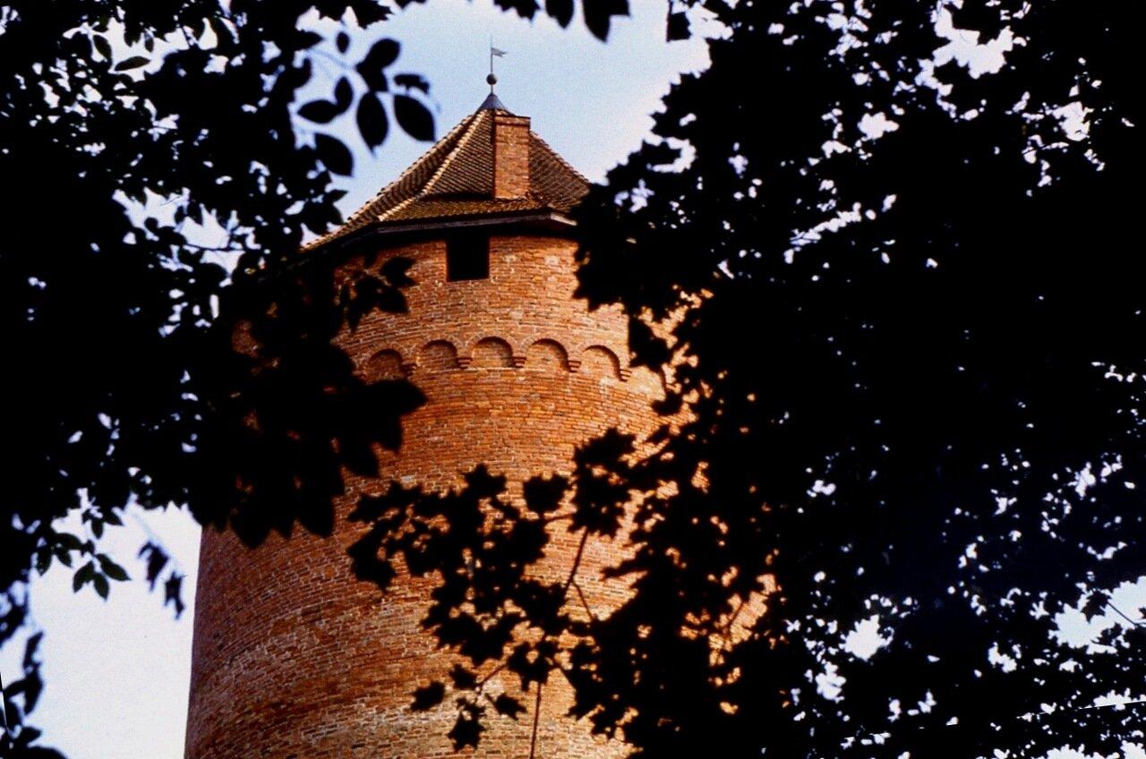 18. Гордая  башня.