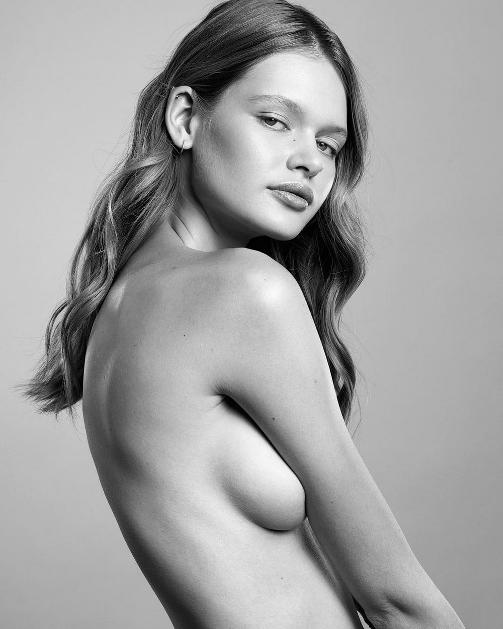 Красивые девушки на снимках Майкла Волошиновича