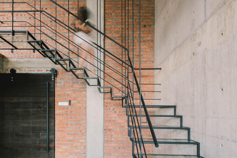 Дом в бетонной оболочке в Малайзии между, форму, которые, проекта, связь, необычный, промежуточных, планировку, также, организовать, множество, собственно, оригинальный, ландшафт, разделить, домом, оболочкой, Вовторых, оболочка, внешний