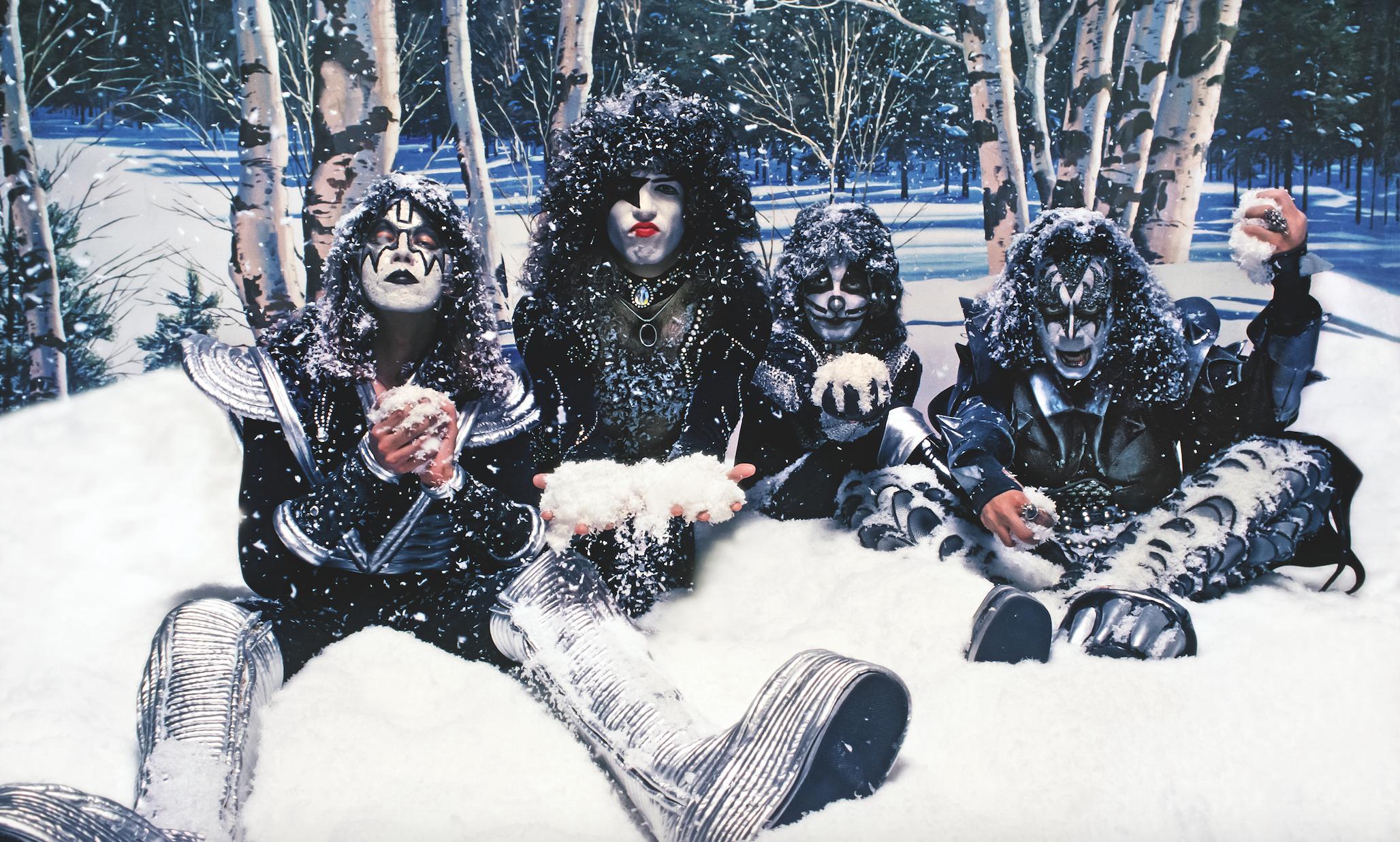 1976. «Kiss»