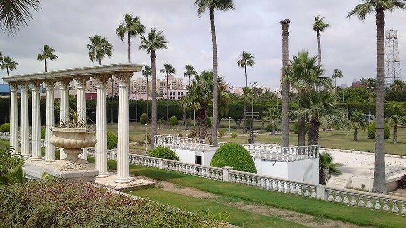 sadyi-Antoniadisa-Aleksandriya-Egipet.jpg