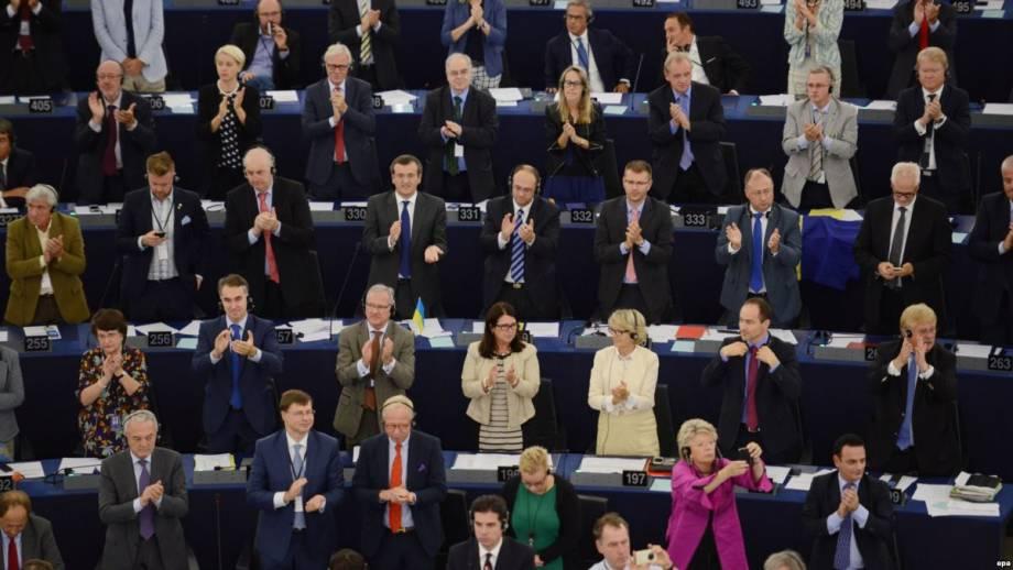 Обуздание коррупции в Украине удвоит рост ВВП – евродепутаты