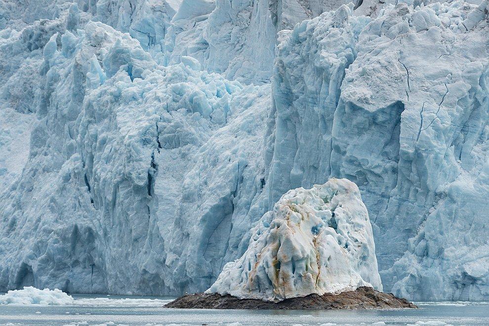 айсберги море Норвегия